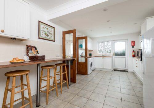 New Forest Holiday Home Large Kitchen with breakfast bar