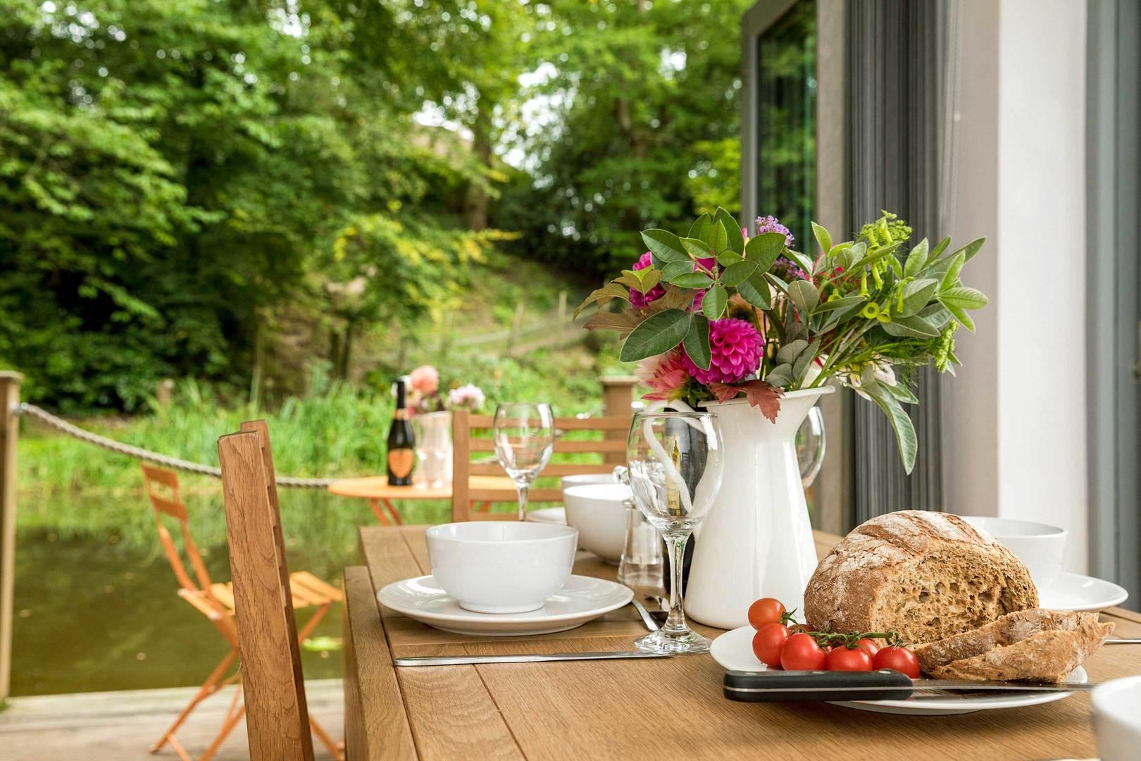 Riverside Lodge outdoor living - Short Stay Homes on Riverside Outdoor Living id=99762
