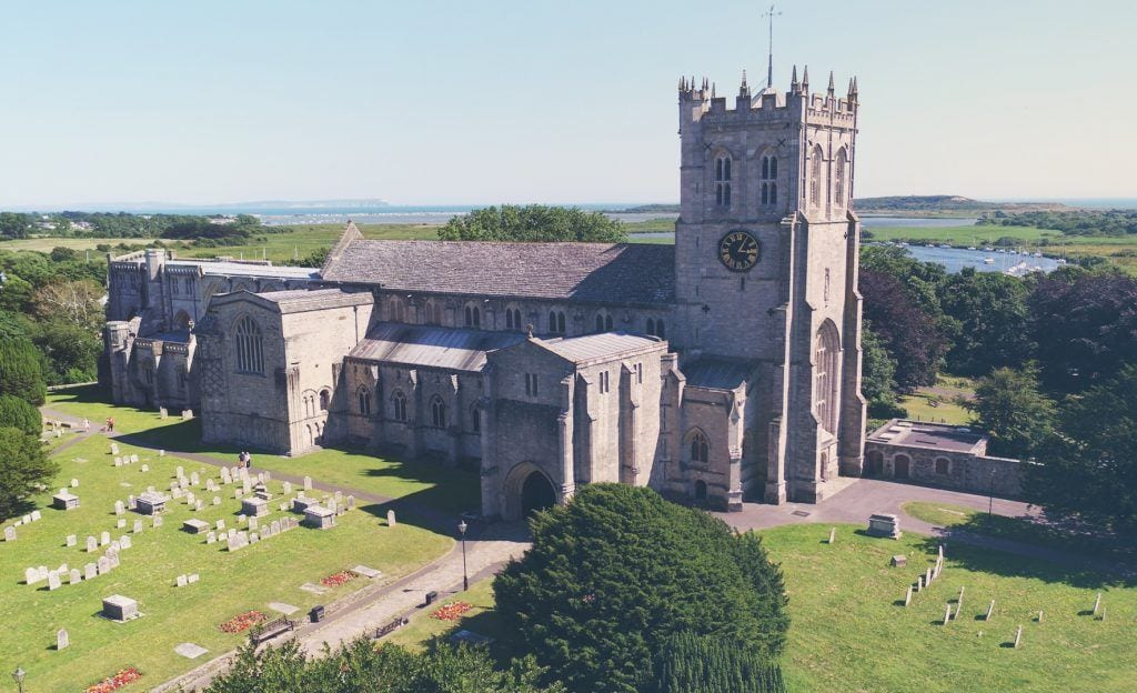 Christchurch Priory in Dorset Uk nest to self catering holiday let Quay Corner