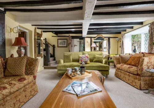 New Forest Cottage with comfy seating at Forest Drove