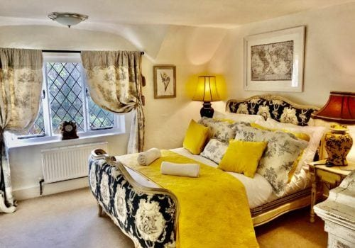 Sumptious and stylish New Forest Holiday Let bedroom