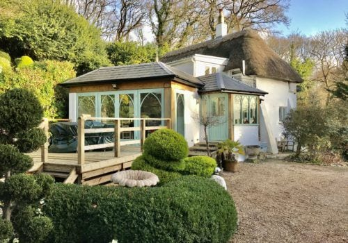 Charming Thatched Self Catering Cottage