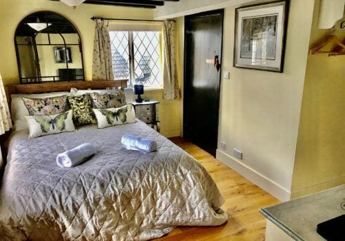 Ground Floor En-suite Bedroom to New Forest staycation holiday let