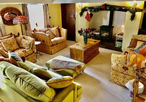 New Forest Thatched Holiday Cottage at Christmas