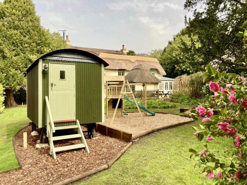 Shepherds hut in delightful New Forest Garden