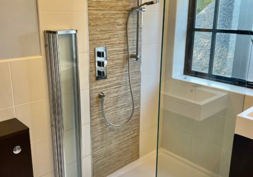 Modern shower room in self catering holiday cottage